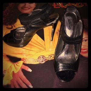 Carlos Santana Black heels !!!
